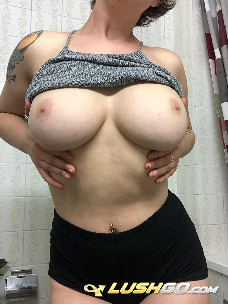 LUSHGO.com play lovense sex toys bella_blonda bellecurve on real pussy - BusXslut Amateur Step Mom Mature Milf Reddit Slut My Leaked Sex Pics Nudes ig instagram picture pic photo sexy gallery 1